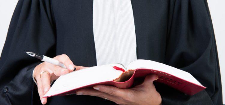 Komornik sądowy – specyfika zawodu iuprawnienia
